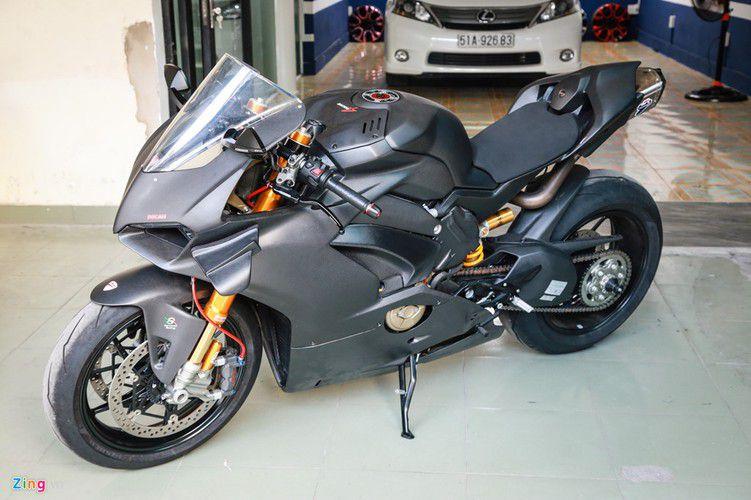 Dan choi Sai Gon chi 800 trieu do Ducati V4 S thanh V4 R-Hinh-12