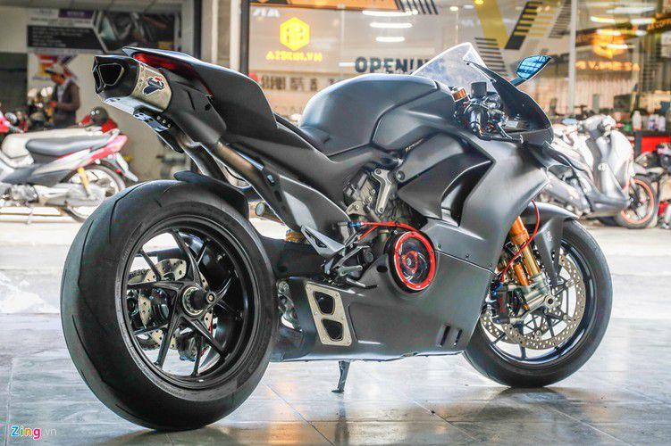 Dan choi Sai Gon chi 800 trieu do Ducati V4 S thanh V4 R-Hinh-11