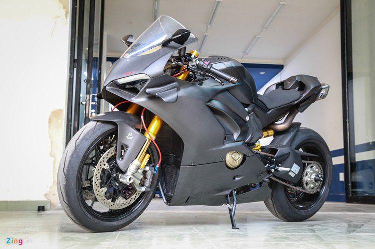 Dan choi Sai Gon chi 800 trieu do Ducati V4 S thanh V4 R-Hinh-10