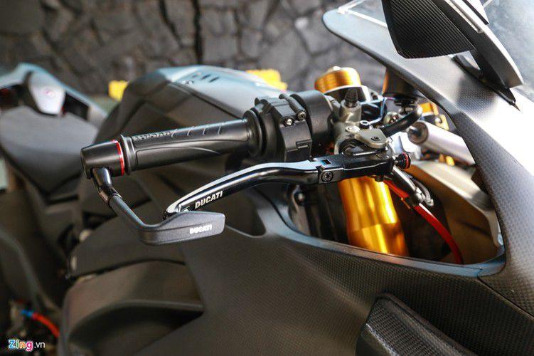 Dan choi Sai Gon chi 800 trieu do Ducati V4 S thanh V4 R-Hinh-9