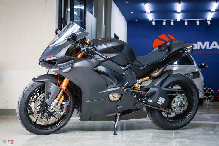 Dan choi Sai Gon chi 800 trieu do Ducati V4 S thanh V4 R-Hinh-13