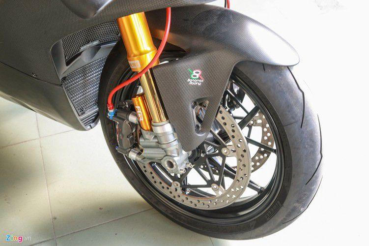 Dan choi Sai Gon chi 800 trieu do Ducati V4 S thanh V4 R-Hinh-3